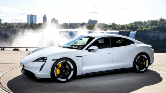 WHAT SPEED DOES A PORSCHE TAIKAN DEVELOP IN A CAR BATH?